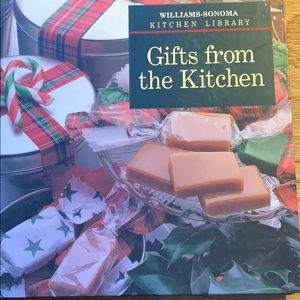 Williams-Sonoma Gifts from the Kitchen cookbook